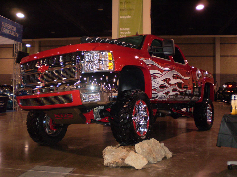 Custom Truck at the DUB Show Tour