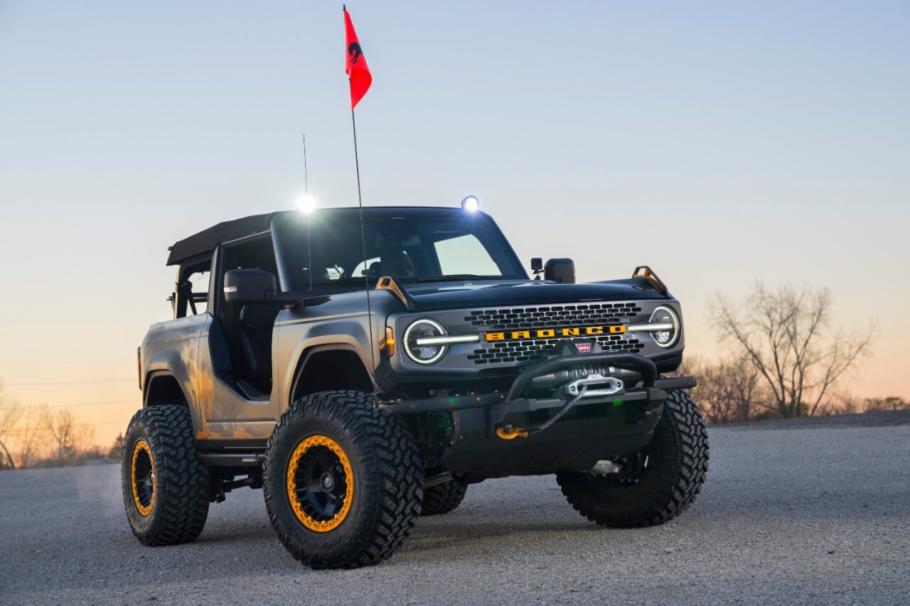 Ford Bronco Badlands Sasquatch 2-Door Concept_01